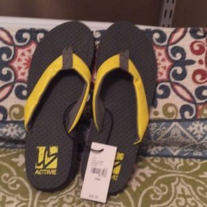 NEW ! Liv Active Cushioned Flip flops